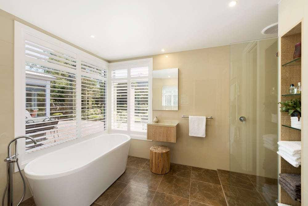 luxury-spacious-bathroom-melbourne