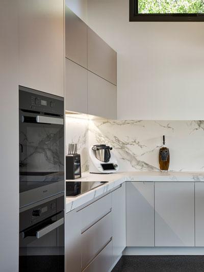 Kitchen-Cabinet-Img1
